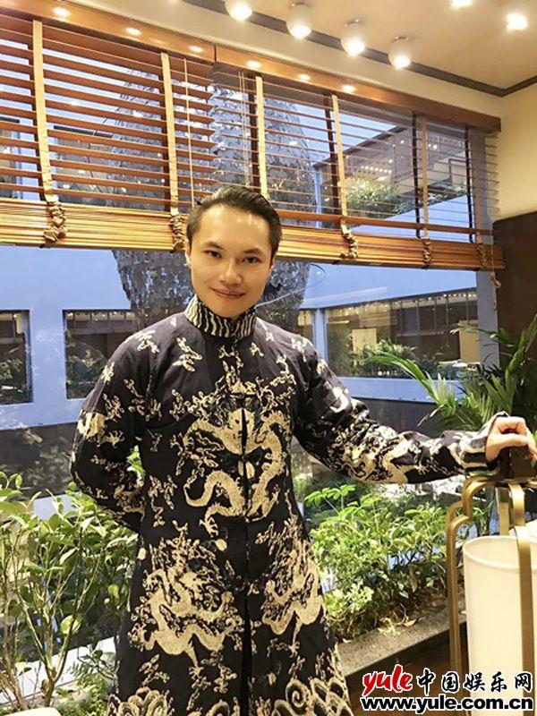 居琨惊艳亮相银川互联网电影节闭幕红毯 身着汉服大秀中国风资讯生活